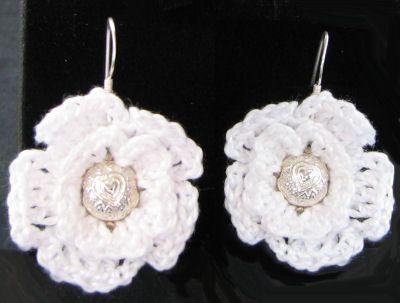 Boucles d'oreille fleur au crochet perle coeur