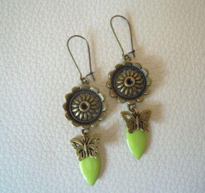 Boucles d'oreilles Marguerites et papillons Anis