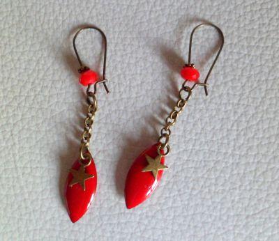 Boucles d'oreilles sequins rouge et étoiles
