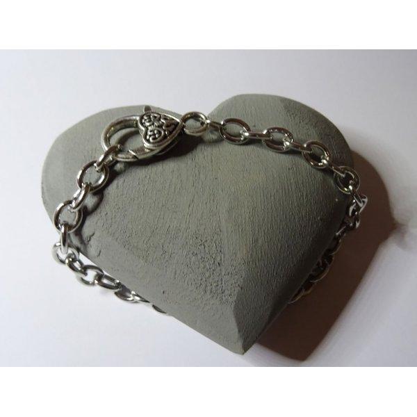Bracelet chaîne argentée gros fermoir coeur 20 cm