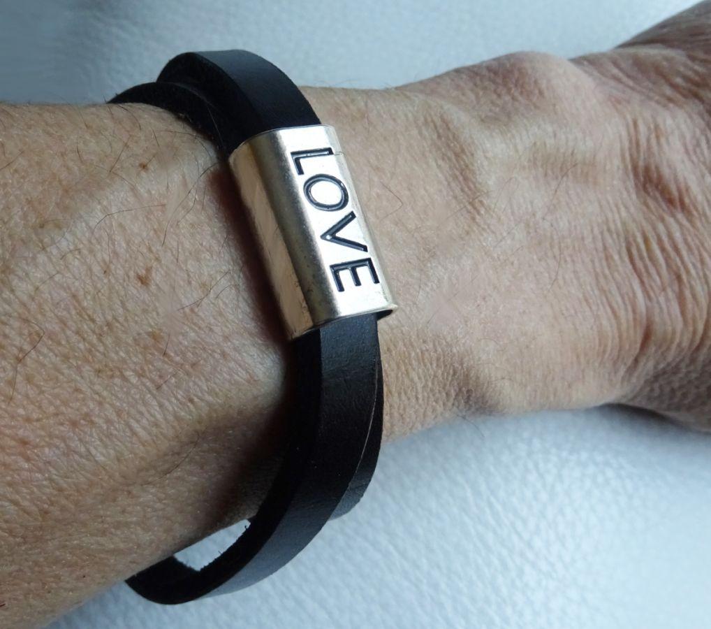 """Bracelet en cuir double tours """"LOVE"""""""