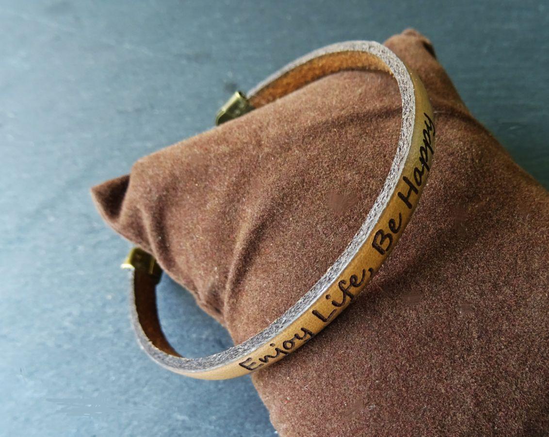 Bracelet cuir fin  gravé Marron clair à personnaliser