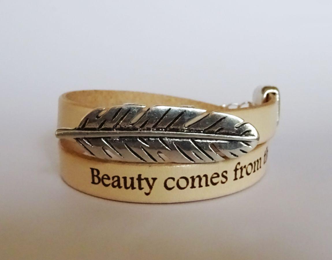 Bracelet cuir naturel à message et Plume