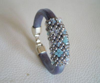 Notice bracelet cuir Regaliz et perles Swarovski Bleu