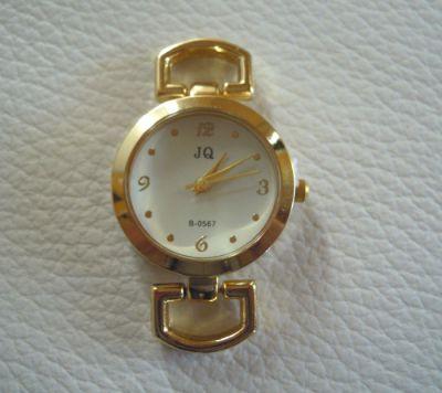 Cadran de montre doré style moderne