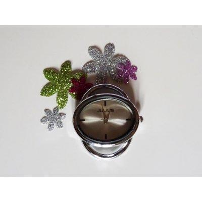 Cadran de montre ovale argenté style moderne