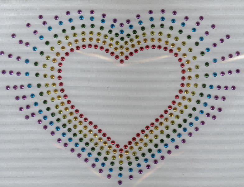 Coeur multicolore en strass