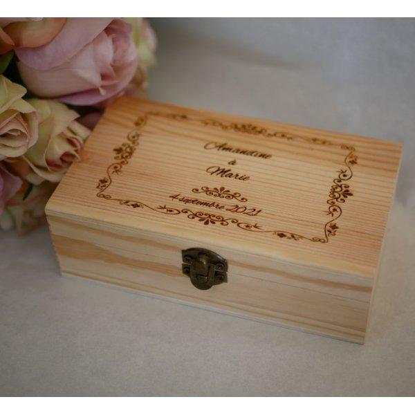 Coffret en bois gravé personnalisé