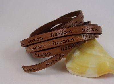 """Lacet cuir 6 mm Marron """"freedom""""  par 20 cm"""
