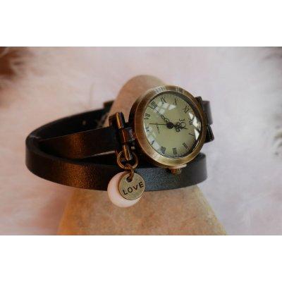 Montre bracelet cuir breloques sequins Love St Valentin à personnaliser