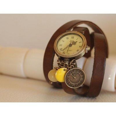 Montre bracelet triple cuir marron et breloques perles