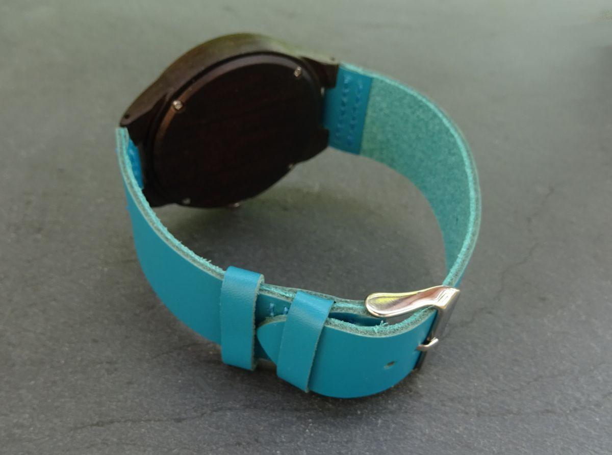 Montre homme bois ébène sur bracelet cuir bleu