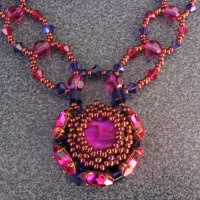 Notice de collier vanuatu fuchsia