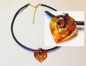 Pendentif coeur Swarovski sur cuir marron