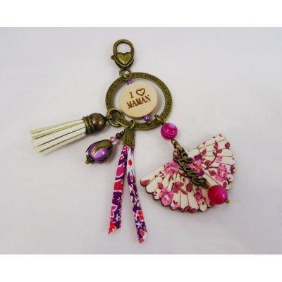 Porte-clé aux breloques Fuchsia et message gravé