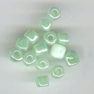 Rocaille 5mm vert pale x 7