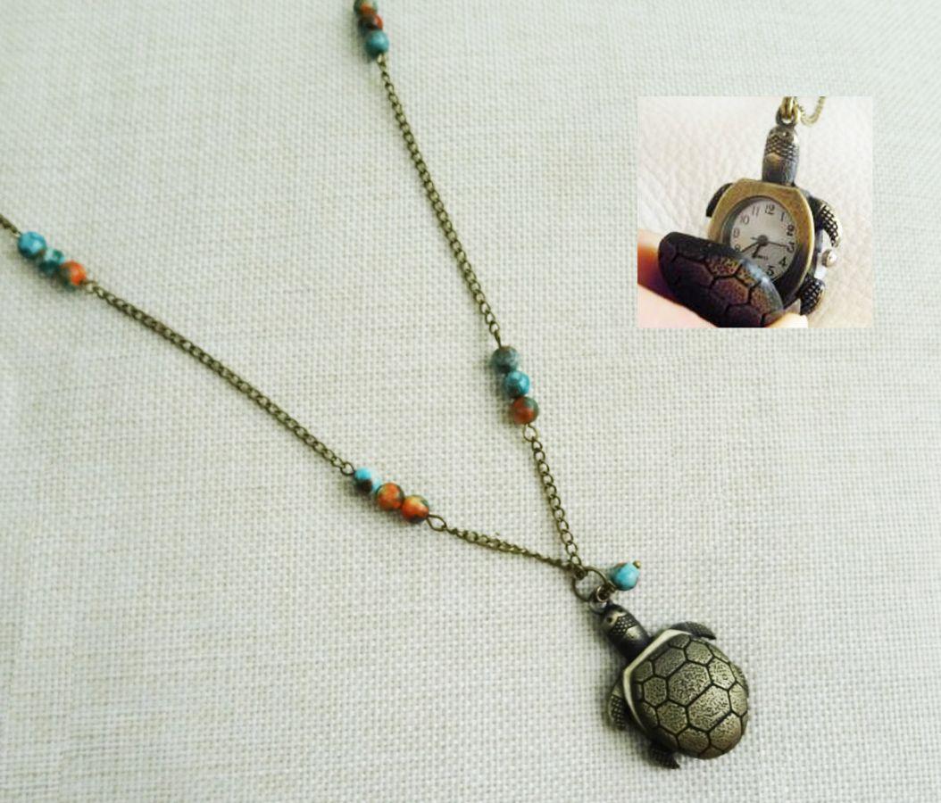 Sautoir pendentif gousset tortue aux perles