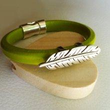 Bracelet cuir Regaliz Vert anis Plume argentée