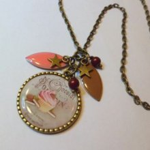 Collier pendentif cabochon Muffin gourmand et sequins