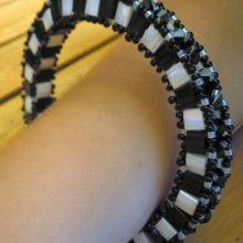 Bracelet Tila Anneau 3D Noir&blanc (grand) en kit