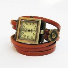 Montre bracelet multi cuir  cadran carré