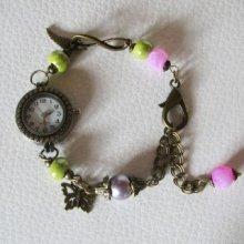 Montre rétro sur chaîne aux perles Rose & anis
