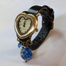 Montre rétro cuir noir coeur et perles naturelles