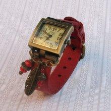 Montre carrée vintage cuir rouge décor Plume