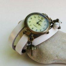 Montre bracelet 3 tours cuir blanc perles Howlite